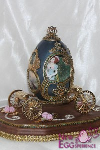 carriage egg art