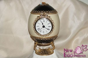 clocks eggart